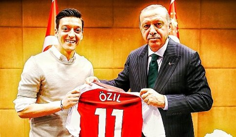 oezil-erdogan-012361449506545449820.jpeg